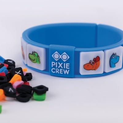Kreatives Pixel Armband blau DINO